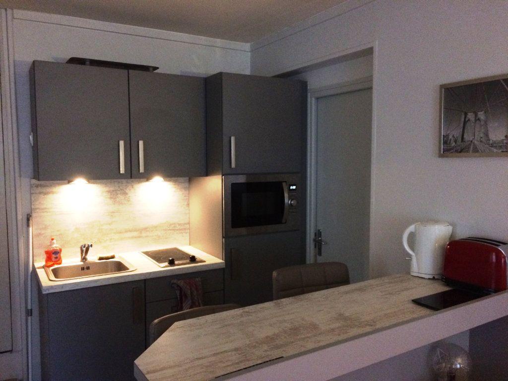 Appartement à louer 1 17.65m2 à Senlis vignette-2