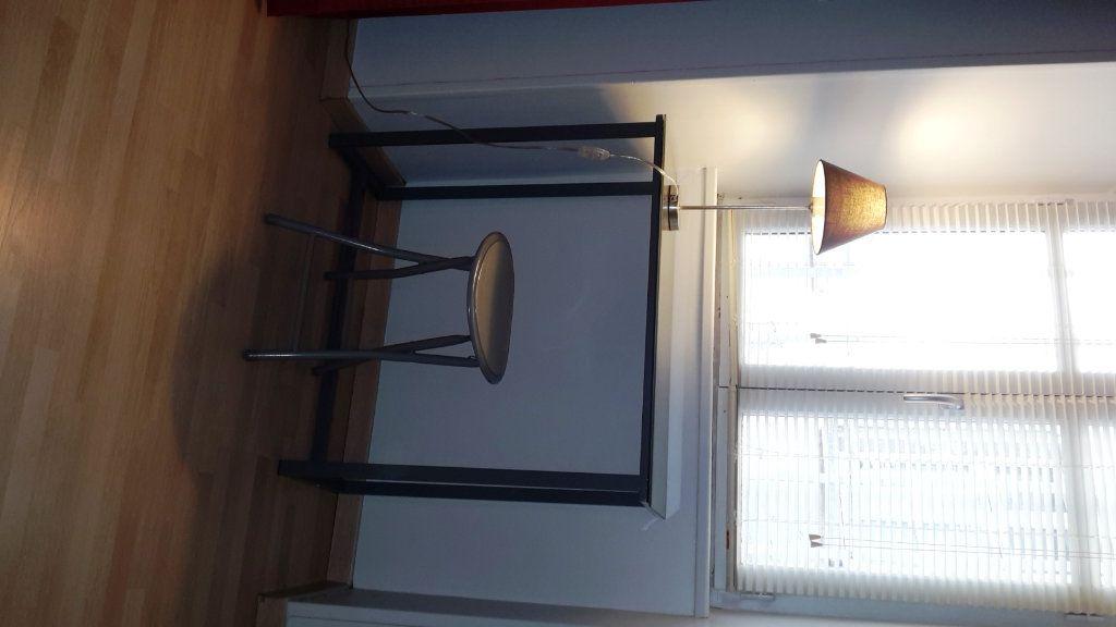 Appartement à louer 1 17.65m2 à Senlis vignette-3