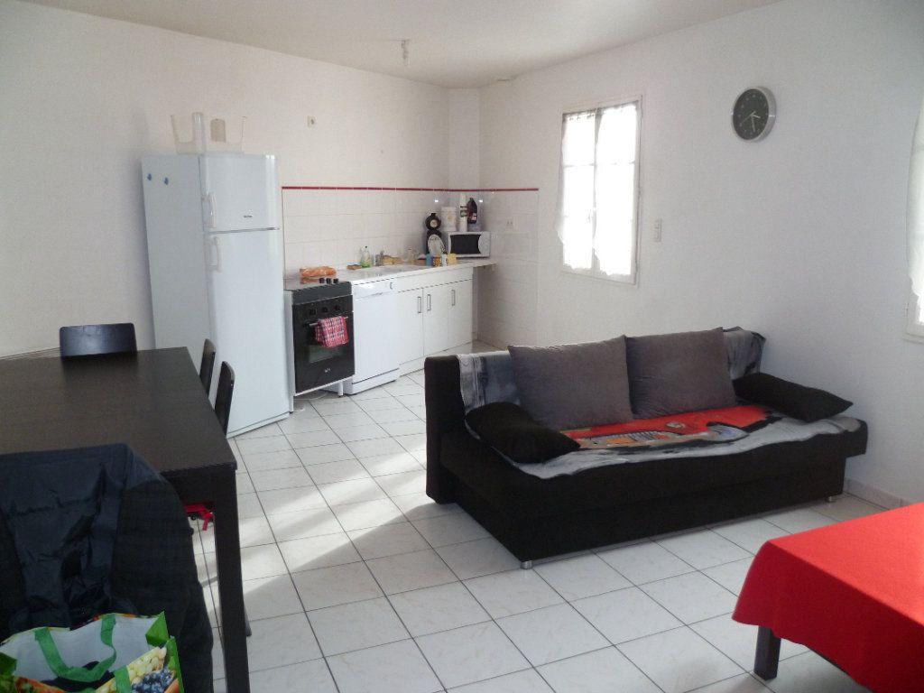 Maison à louer 3 63.18m2 à Ver-sur-Launette vignette-1