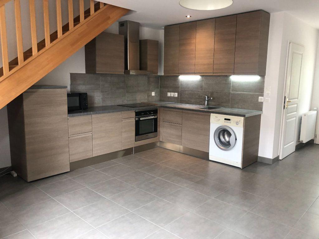 Appartement à louer 3 52.6m2 à La Chapelle-en-Serval vignette-2