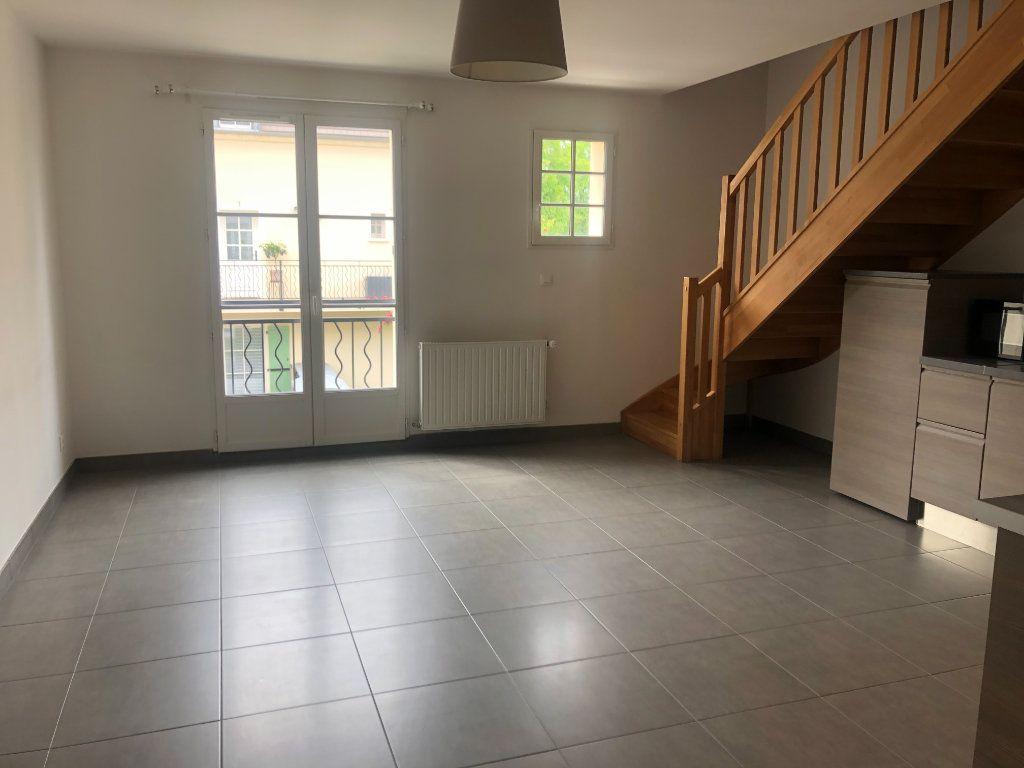 Appartement à louer 3 52.6m2 à La Chapelle-en-Serval vignette-3