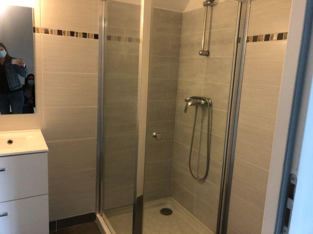 Appartement à louer 3 52.6m2 à La Chapelle-en-Serval vignette-5