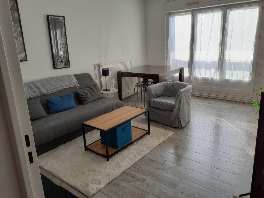 Appartement à louer 2 49.27m2 à Senlis vignette-1