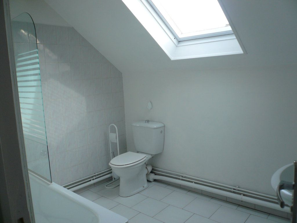 Appartement à louer 2 39.25m2 à Thiers-sur-Thève vignette-4