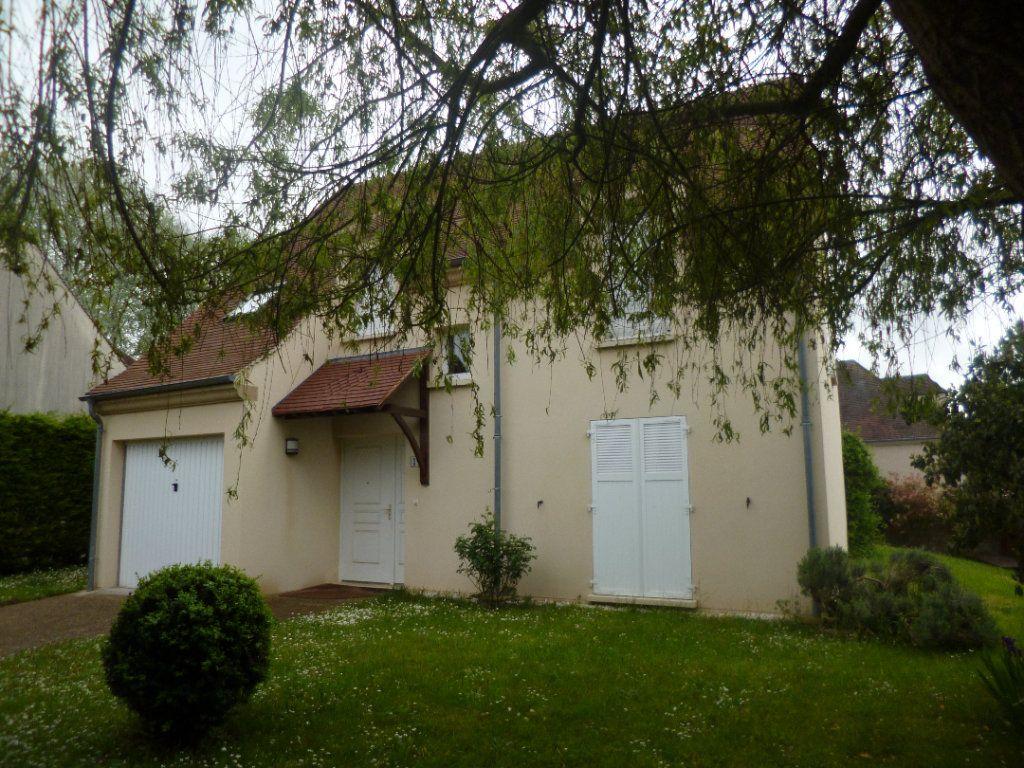 Maison à louer 5 105.35m2 à Senlis vignette-1