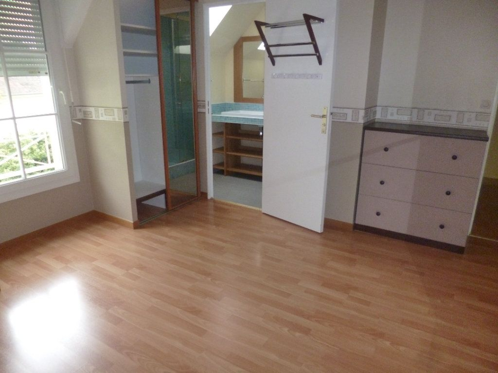 Maison à louer 5 105.35m2 à Senlis vignette-7