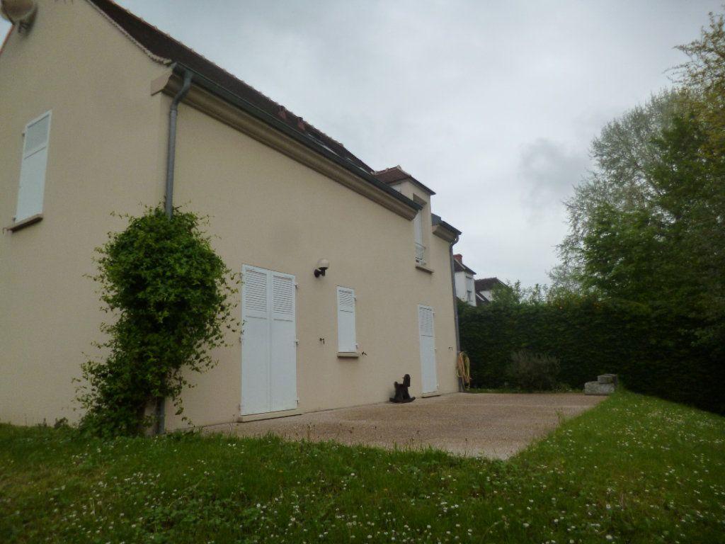 Maison à louer 5 105.35m2 à Senlis vignette-12