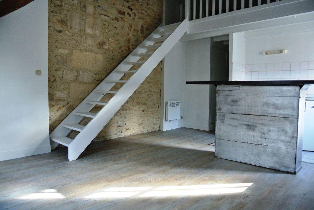 Appartement à louer 2 25.84m2 à Senlis vignette-1