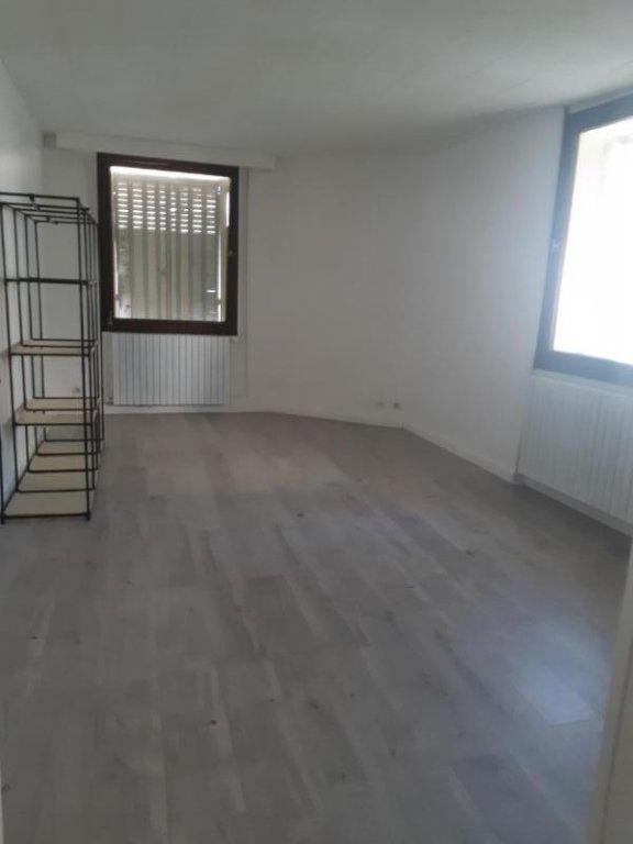 Appartement à louer 2 47.92m2 à Rouvres vignette-3