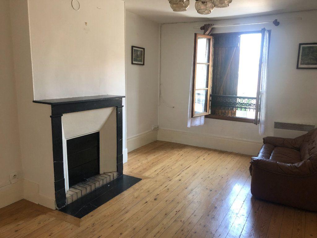 Appartement à louer 3 58.32m2 à Pontarmé vignette-1
