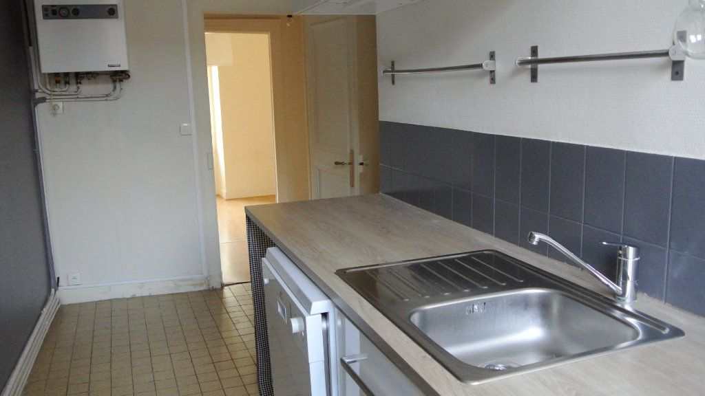 Appartement à louer 3 63.98m2 à Senlis vignette-3