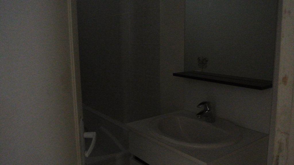 Appartement à louer 3 63.98m2 à Senlis vignette-5