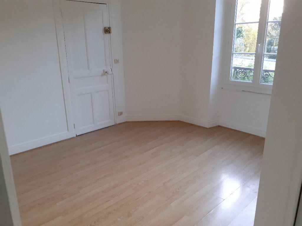 Appartement à louer 3 51.74m2 à Senlis vignette-2