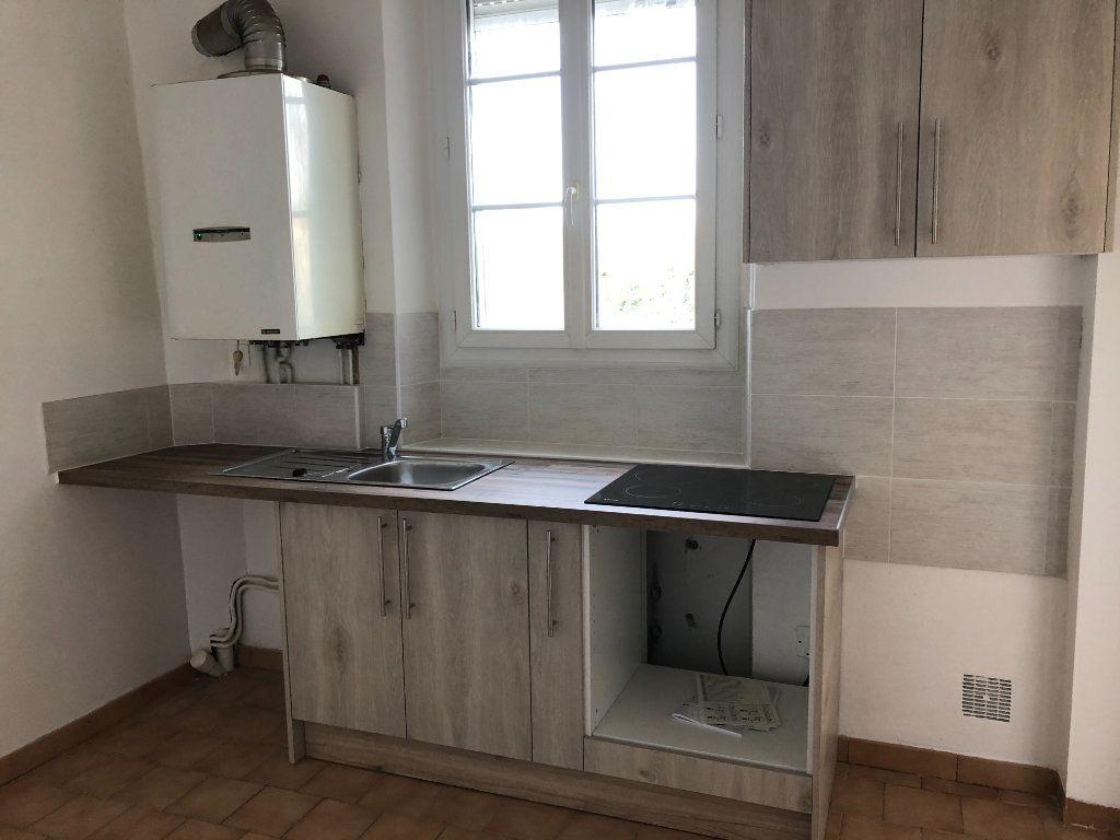 Appartement à louer 3 51.74m2 à Senlis vignette-3