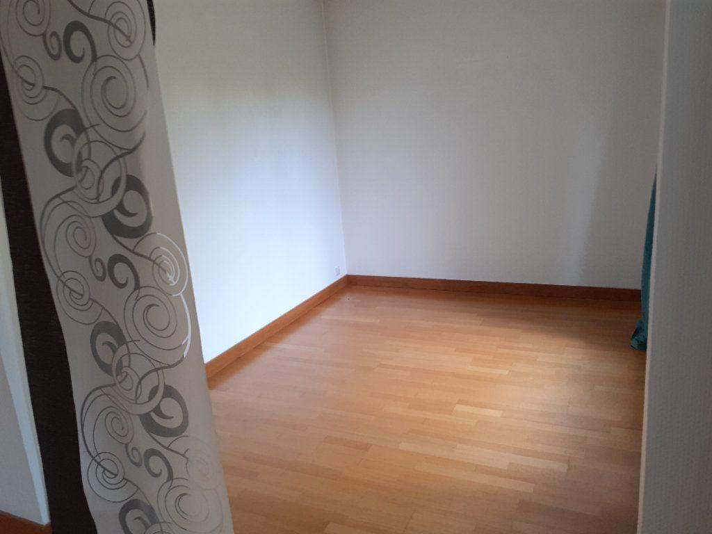Appartement à louer 4 73.61m2 à Senlis vignette-4