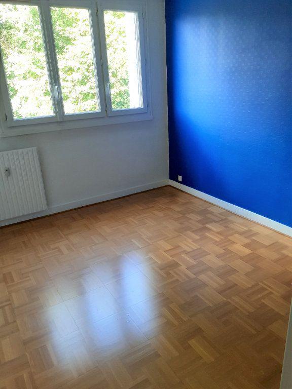 Appartement à louer 4 73.61m2 à Senlis vignette-5