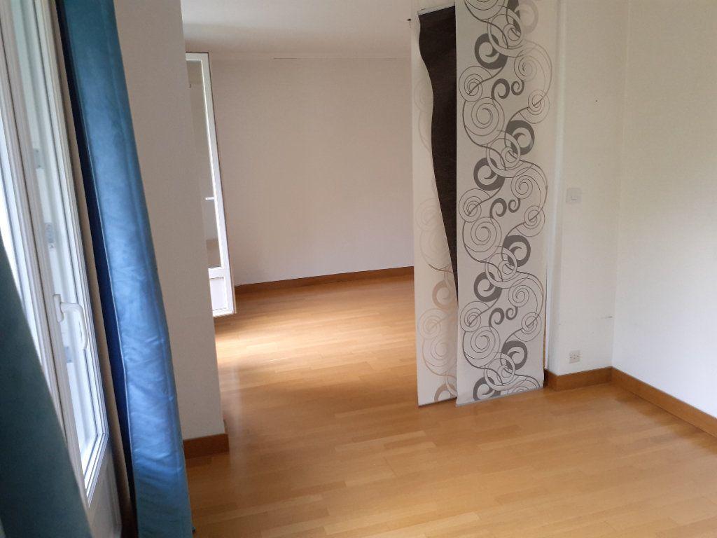 Appartement à louer 4 73.61m2 à Senlis vignette-6