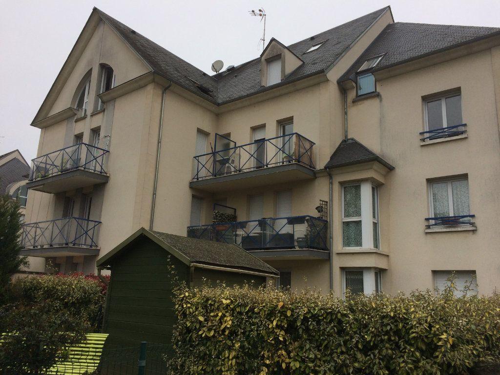 Appartement à louer 2 39.4m2 à La Chapelle-en-Serval vignette-1