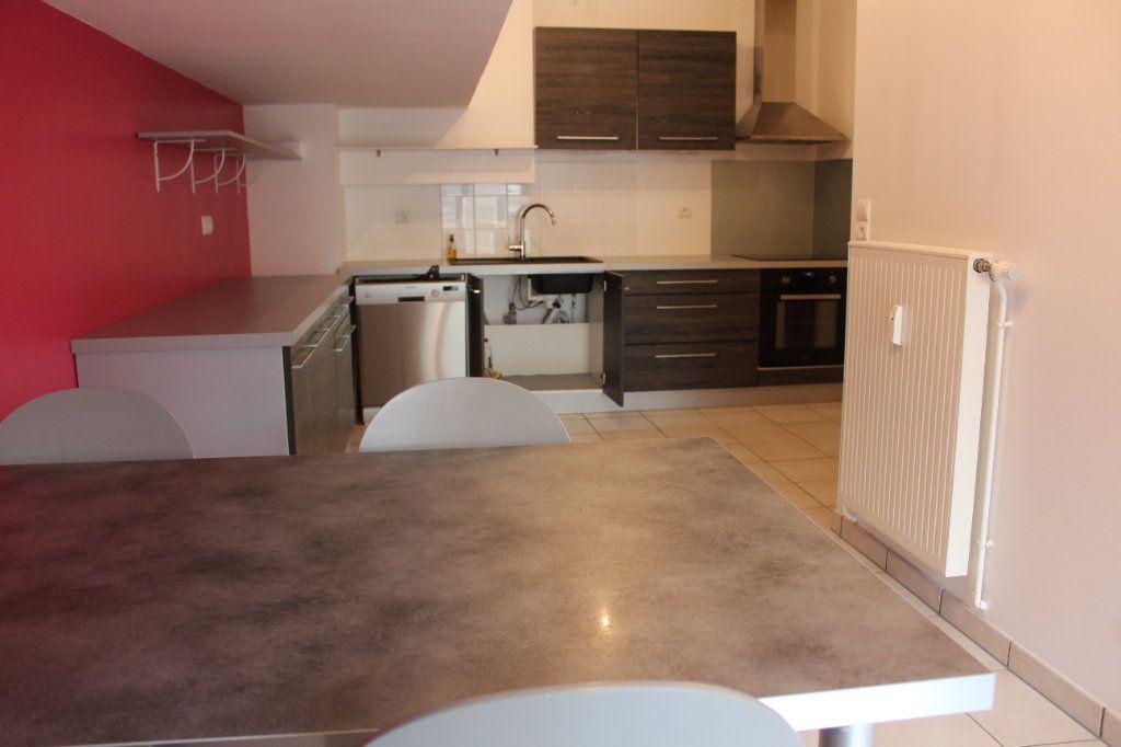 Appartement à louer 4 108.3m2 à Senlis vignette-4