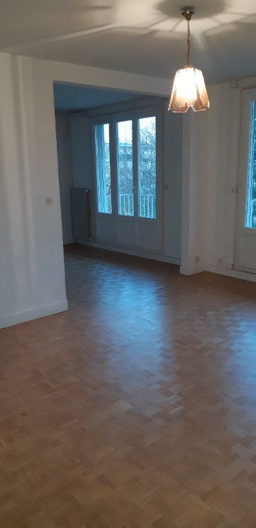Appartement à louer 3 60.22m2 à Senlis vignette-2