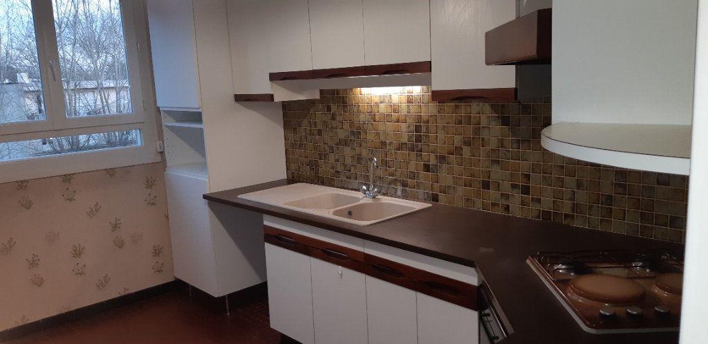 Appartement à louer 3 60.22m2 à Senlis vignette-3