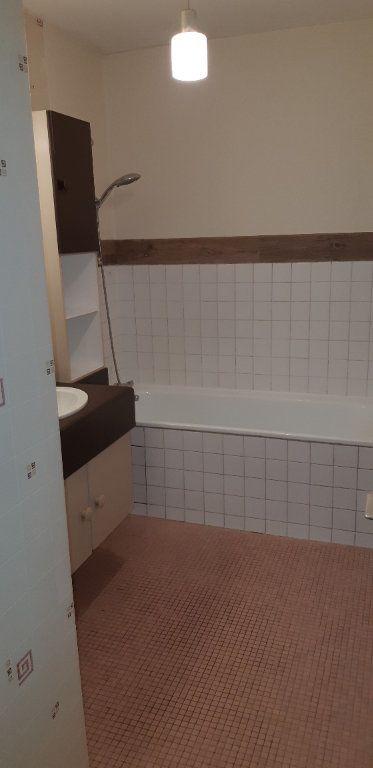 Appartement à louer 3 60.22m2 à Senlis vignette-6