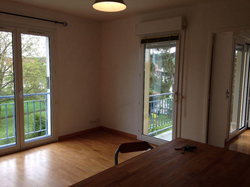 Appartement à louer 2 38.59m2 à Crépy-en-Valois vignette-2