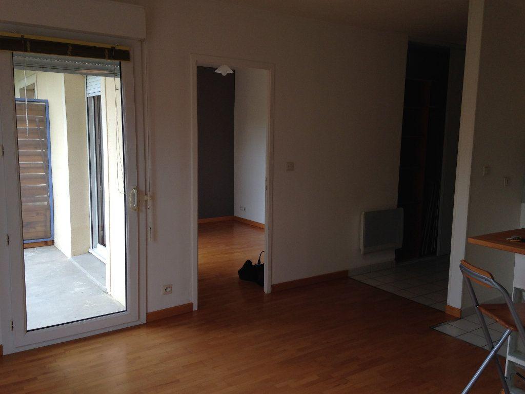 Appartement à louer 2 38.59m2 à Crépy-en-Valois vignette-4