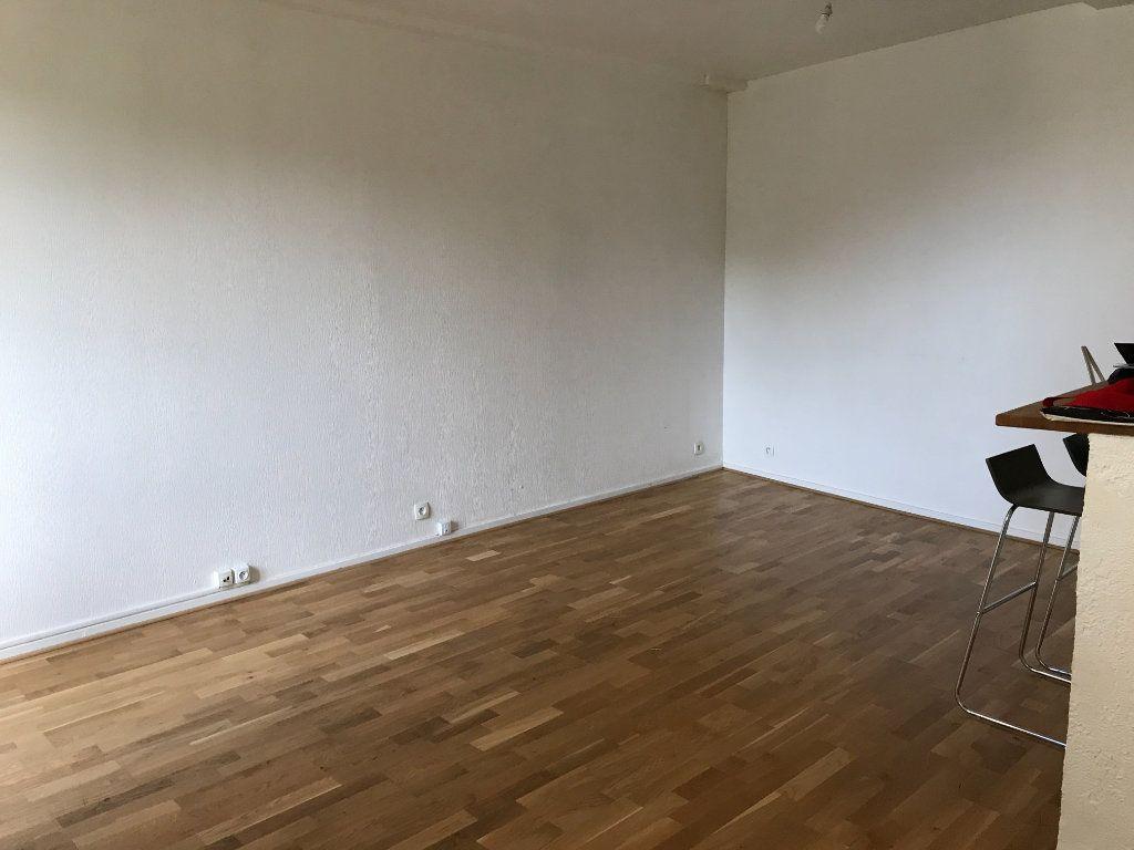 Appartement à louer 2 41.89m2 à Senlis vignette-1