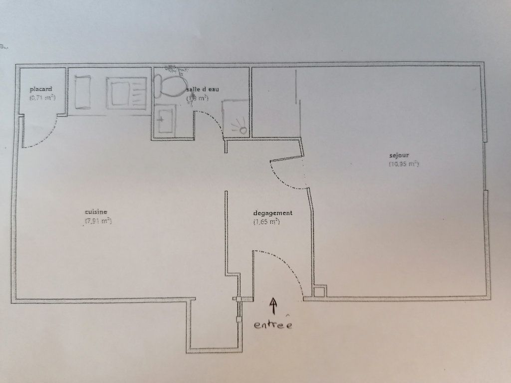 Appartement à louer 1 23m2 à Brive-la-Gaillarde plan-1