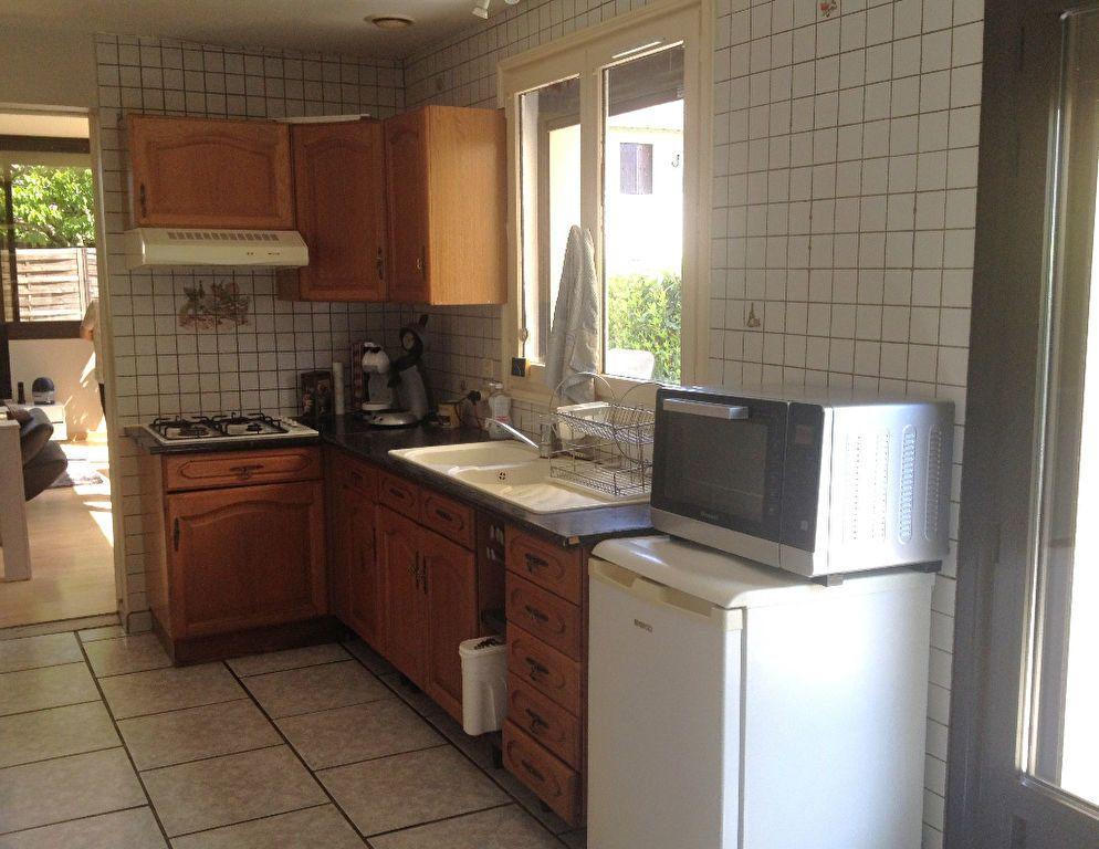 Appartement à louer 2 58.7m2 à Brive-la-Gaillarde vignette-2