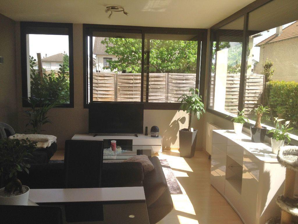 Appartement à louer 2 58.7m2 à Brive-la-Gaillarde vignette-3