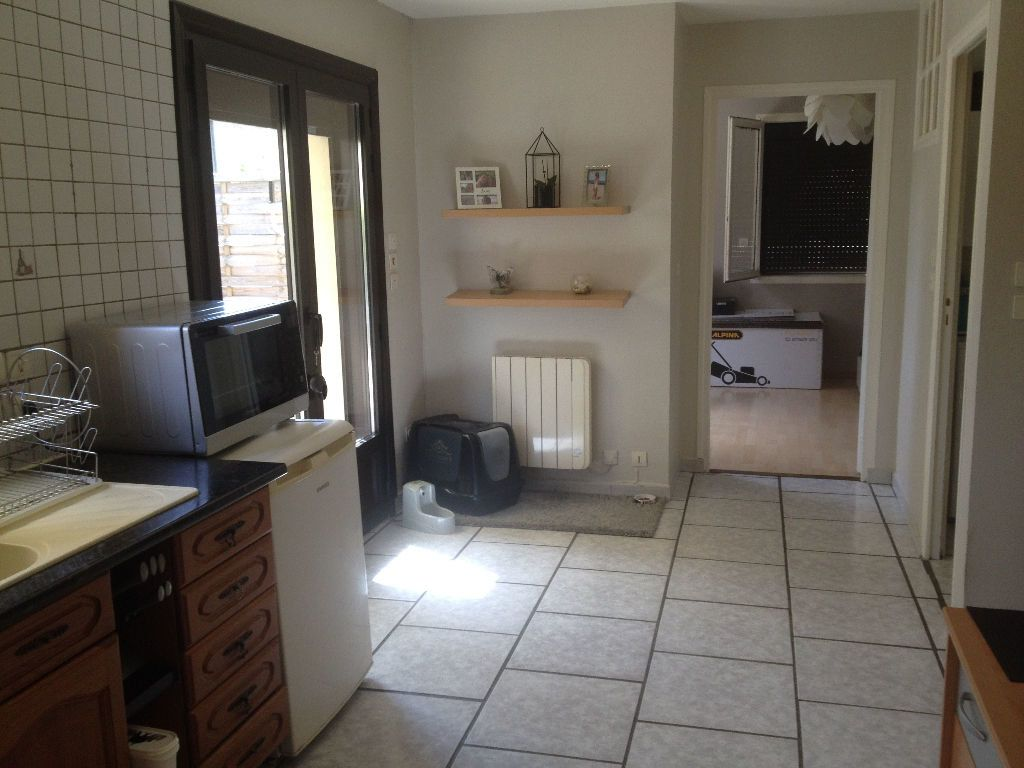 Appartement à louer 2 58.7m2 à Brive-la-Gaillarde vignette-4