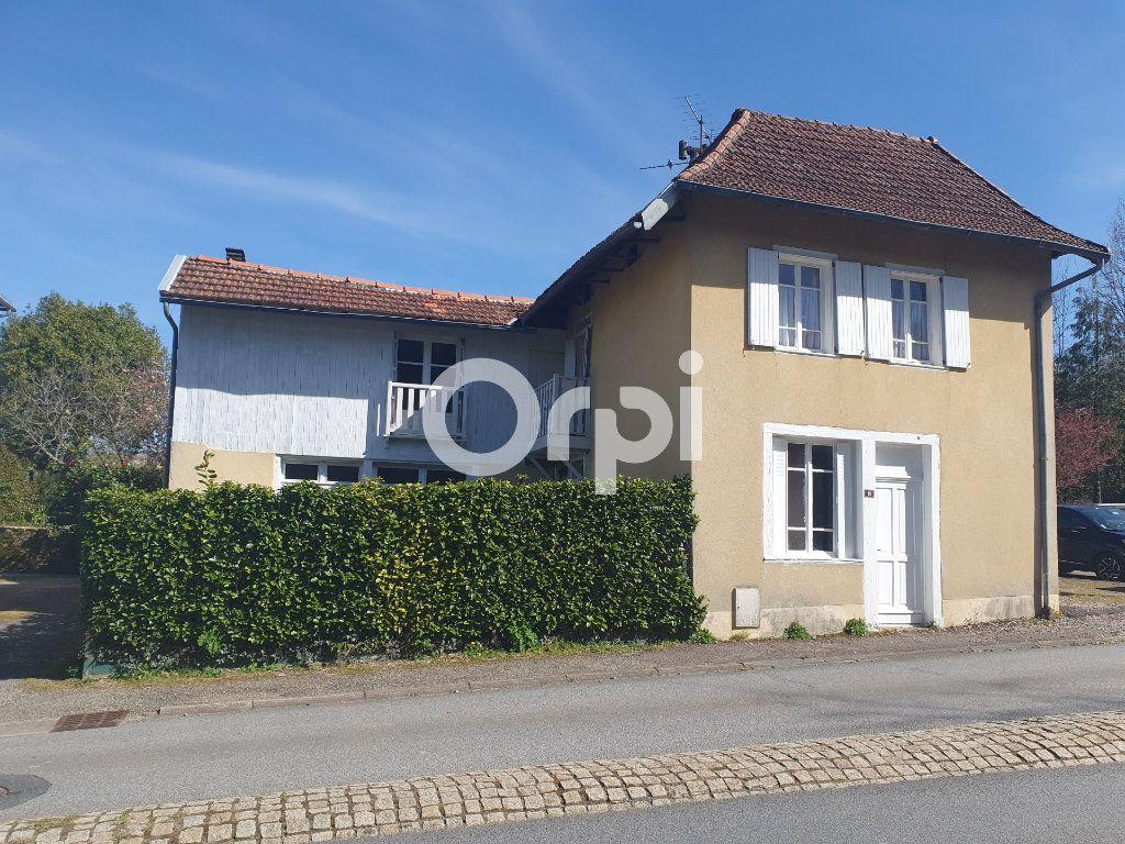 Maison à vendre 6 114m2 à Sainte-Fortunade vignette-1