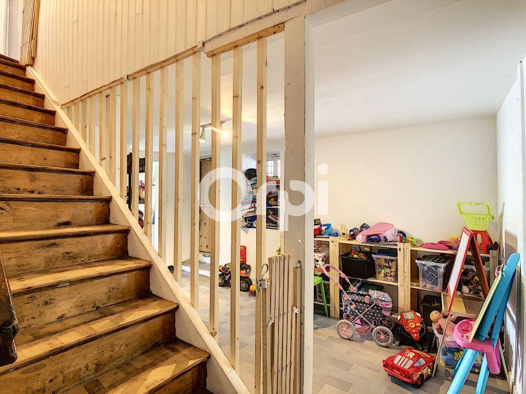 Maison à vendre 6 114m2 à Sainte-Fortunade vignette-6