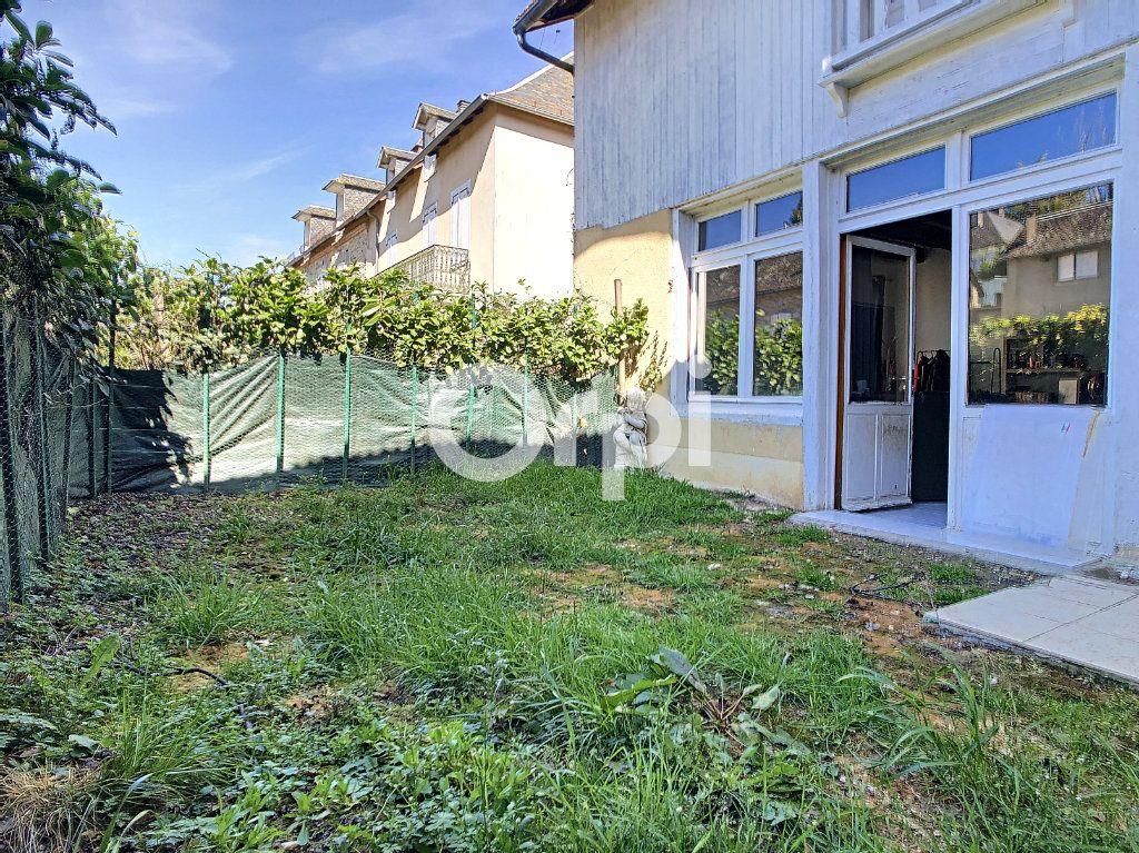 Maison à vendre 6 114m2 à Sainte-Fortunade vignette-10