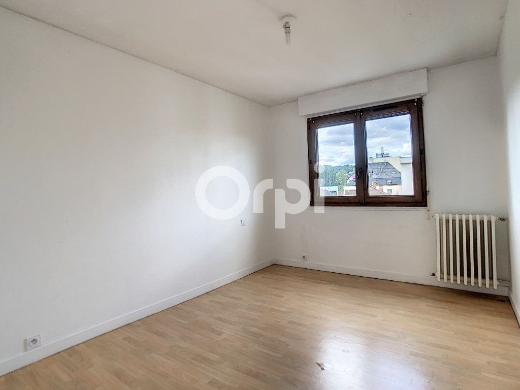 Appartement à louer 3 62.39m2 à Brive-la-Gaillarde vignette-4