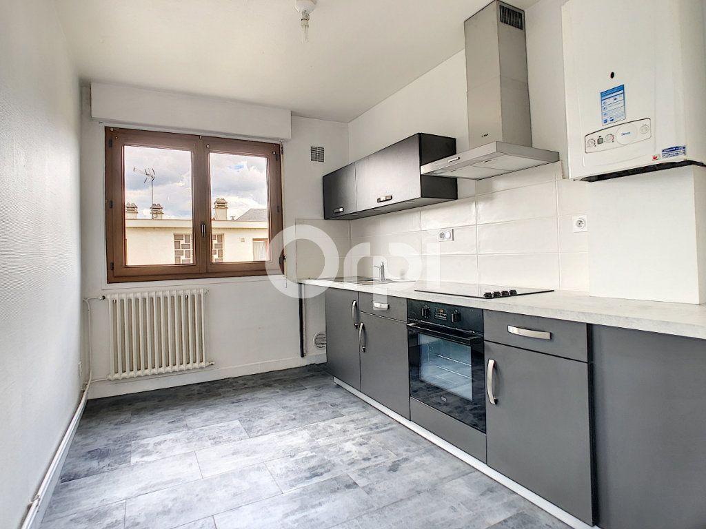 Appartement à louer 3 62.39m2 à Brive-la-Gaillarde vignette-6