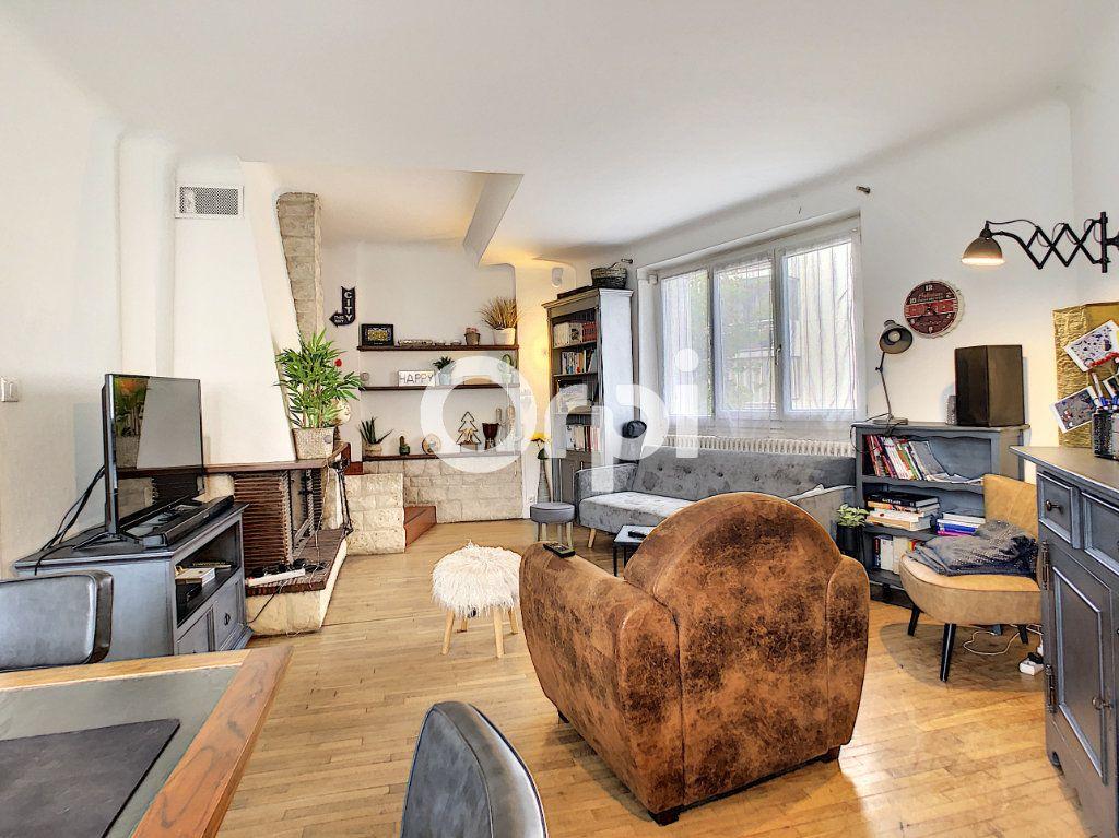 Maison à vendre 5 113m2 à Brive-la-Gaillarde vignette-1
