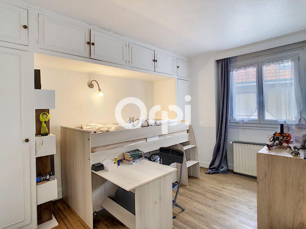 Maison à vendre 5 113m2 à Brive-la-Gaillarde vignette-10