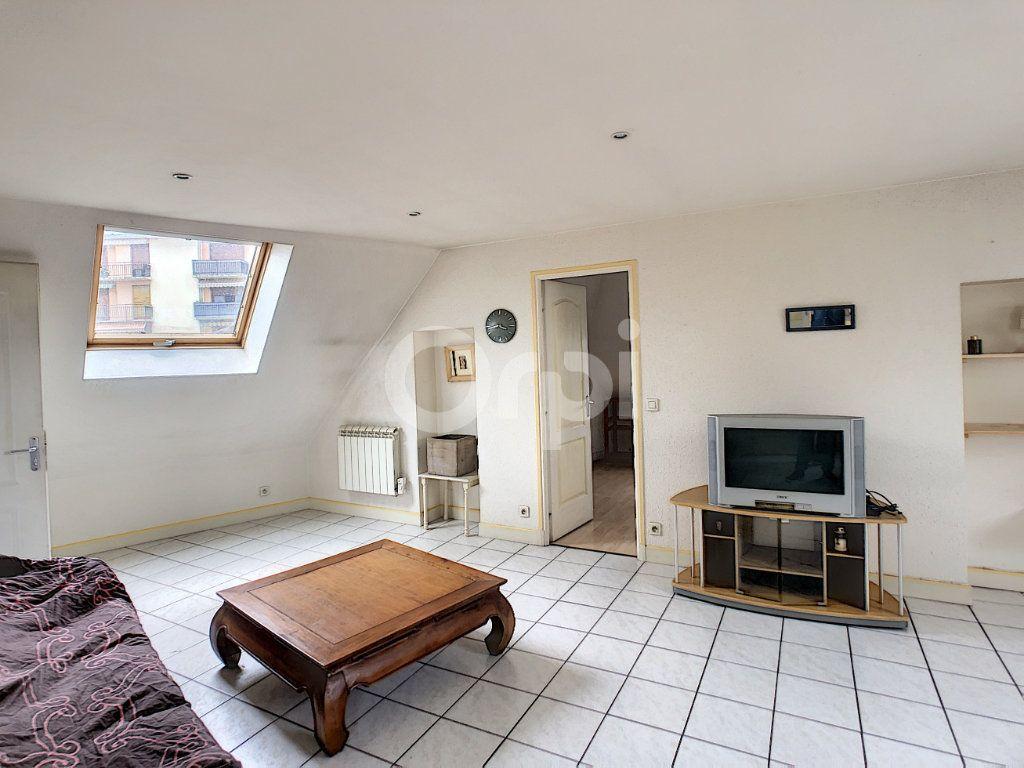 Appartement à louer 2 46m2 à Brive-la-Gaillarde vignette-2
