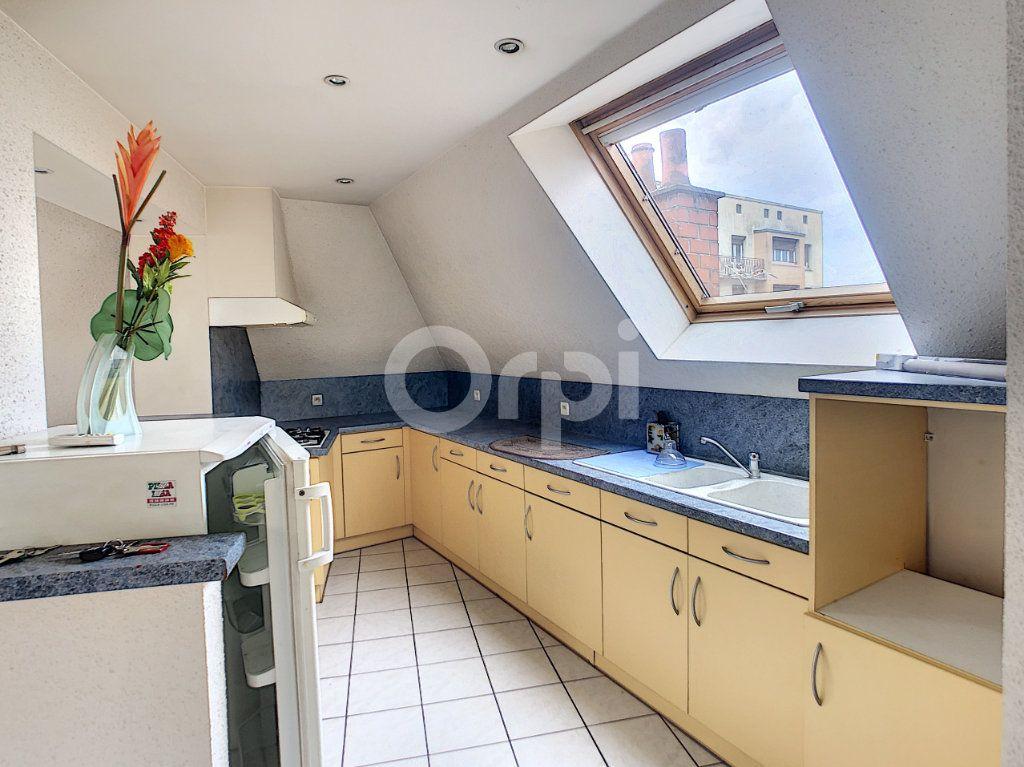 Appartement à louer 2 46m2 à Brive-la-Gaillarde vignette-3