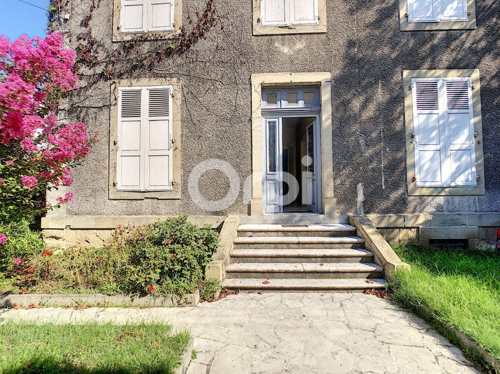 Maison à vendre 10 253m2 à Brive-la-Gaillarde vignette-1