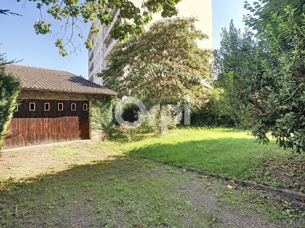 Maison à vendre 10 253m2 à Brive-la-Gaillarde vignette-2