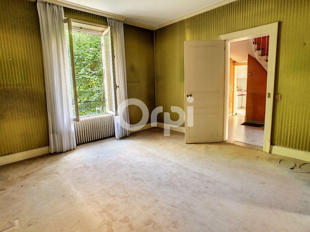 Maison à vendre 10 253m2 à Brive-la-Gaillarde vignette-4