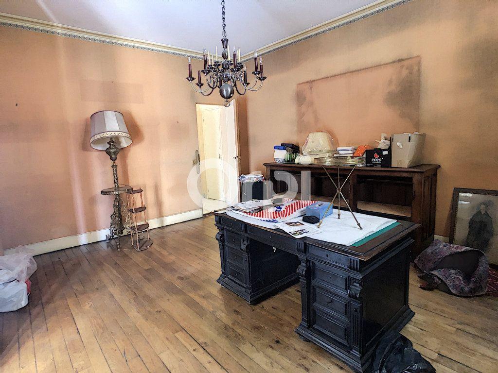 Maison à vendre 10 253m2 à Brive-la-Gaillarde vignette-6