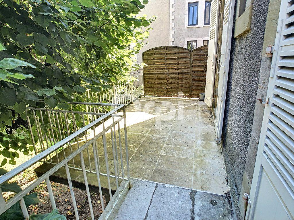 Maison à vendre 10 253m2 à Brive-la-Gaillarde vignette-9