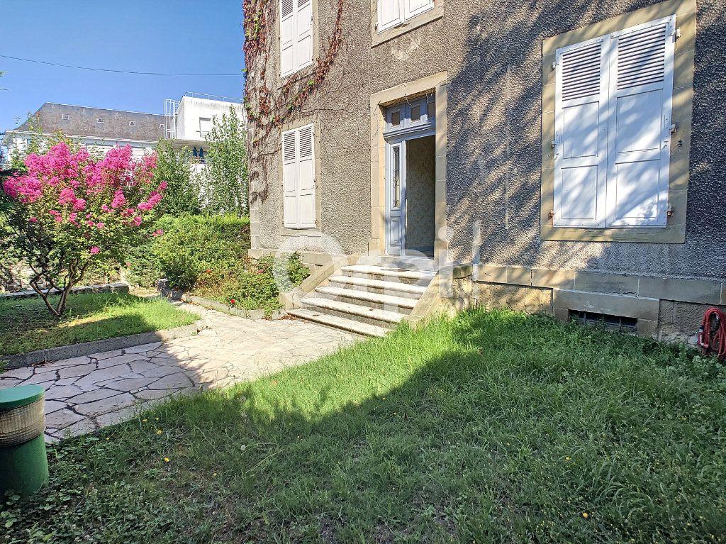 Maison à vendre 10 253m2 à Brive-la-Gaillarde vignette-11