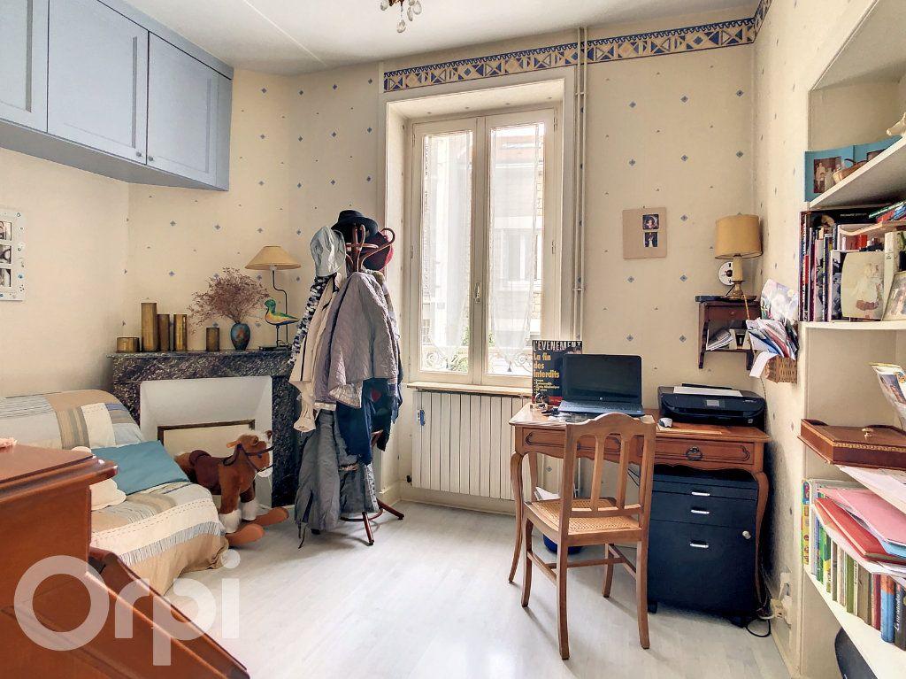 Maison à vendre 9 165m2 à Brive-la-Gaillarde vignette-6