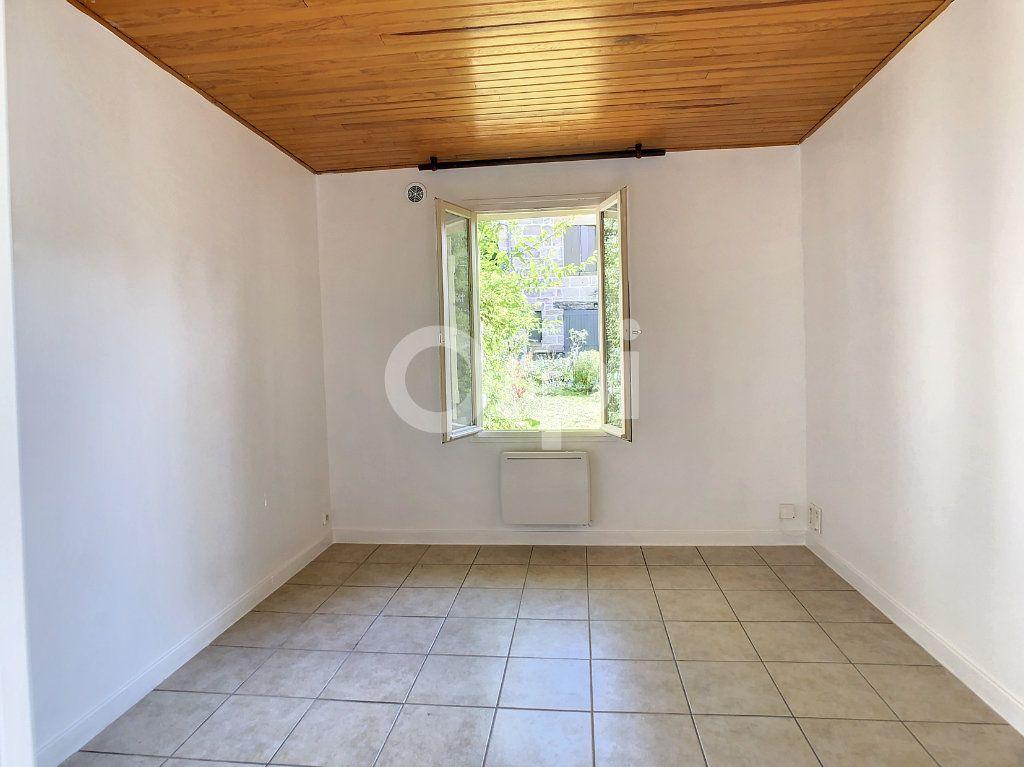 Appartement à louer 1 23m2 à Brive-la-Gaillarde vignette-2